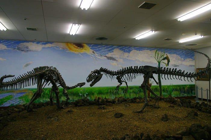 カンプトサウルスはどんな恐竜?アロサウルスとどっちが強い? - 恐竜 ...